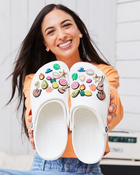 Crocs Crocband Clogs - unisex viele Größen und Farben zwischen 18,12€ und 20,47€, PRIME Student + 10%
