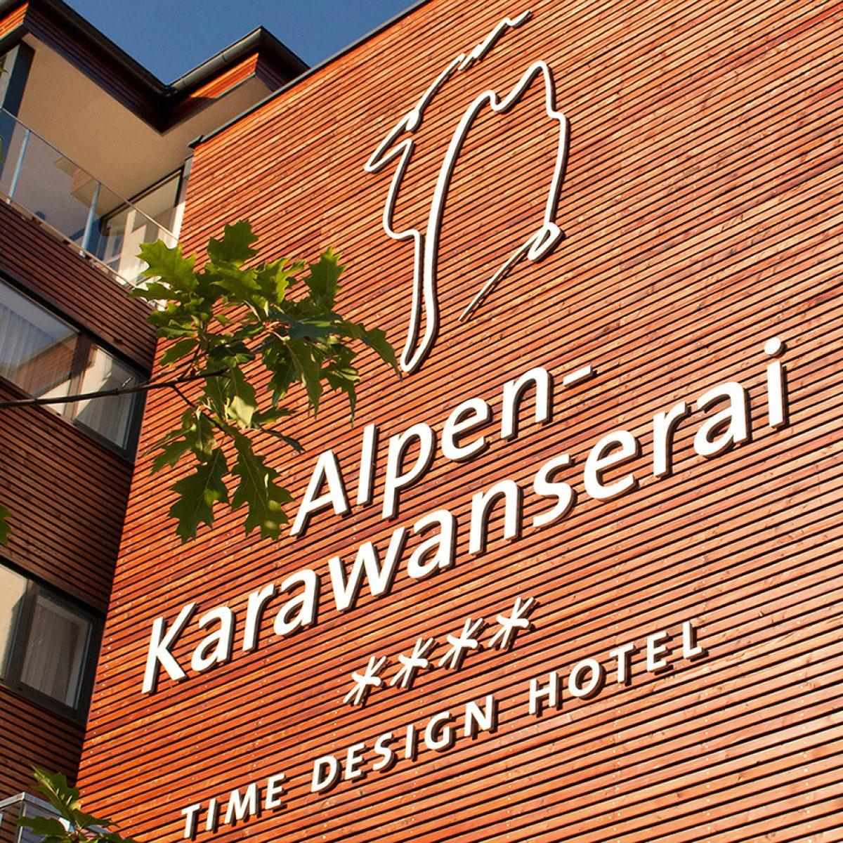 Salzburger Land: 3 Nächte - 4*S Hotel Alpen-Karawanserai - Superior-Doppelzimmer inkl. Frühstück, 2000m² Spa Nutzung u.v.m. / gratis Storno