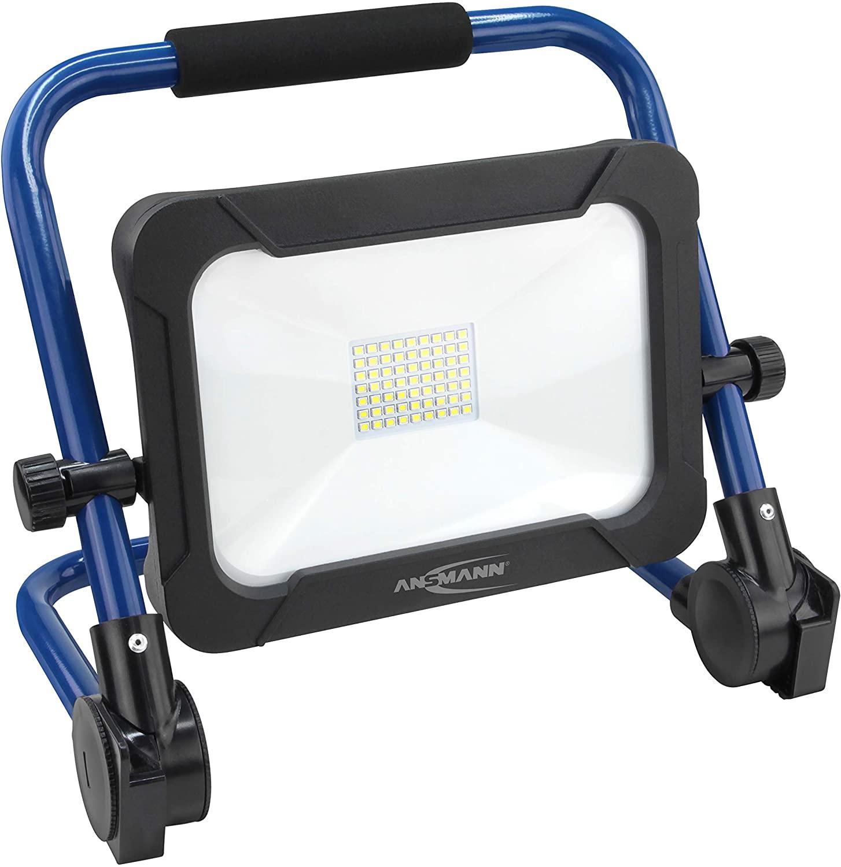 ANSMANN Akku Baustrahler LED 30W Arbeitsstrahler mit drei Leuchtstufen und farbechter Wiedergabe CRI >80, aufladbar, IP54 wetterfest