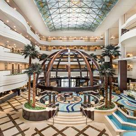 Dubai: 5*Mövenpick Grand Al Bustan Dubai - Doppelzimmer / gratis Storno / Mai bis September 2021