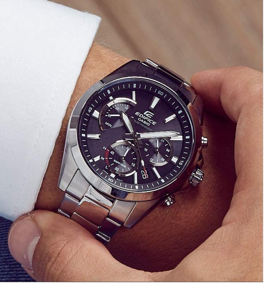 Casio Edifice EFS-S530 Herrenchronograph Solar + Saphirglas