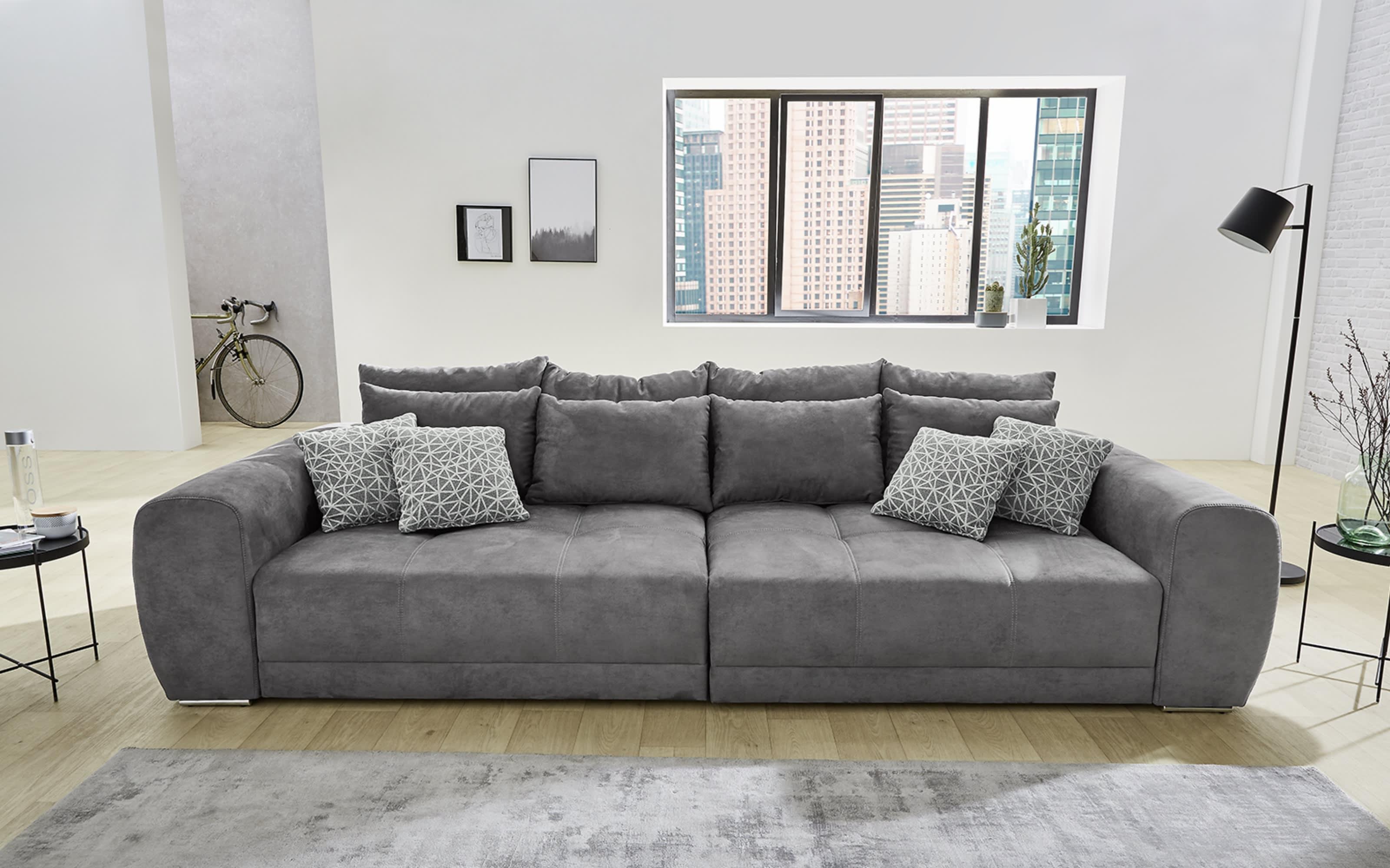 Big Sofa in grau inkl. Kissen und Lieferung / 306 x 83 x 134cm