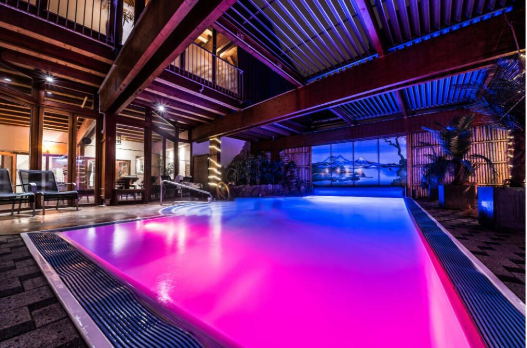 Wellness in Köln: Reopening-Special im 4* Mauritius Hotel & Therme - 1 Nacht inkl. Frühstück, Therme & mehr für 98 € bei einer Reise zu 2.