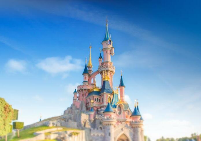 Disneyland Paris Family & Friends Special - 1 Nacht im B&B inkl. Frühstück, Parkticket und Shuttleservice ab 236 € bei einer Reise zu viert