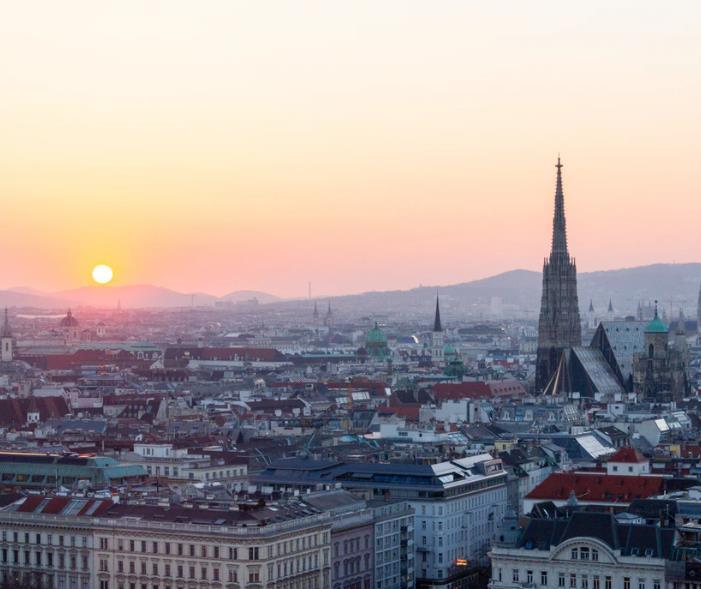Flüge: Wien (Juni - Juli) Nonstop Hin- und Rückflug mit Lauda (FR) von Dortmund und Köln ab 11€