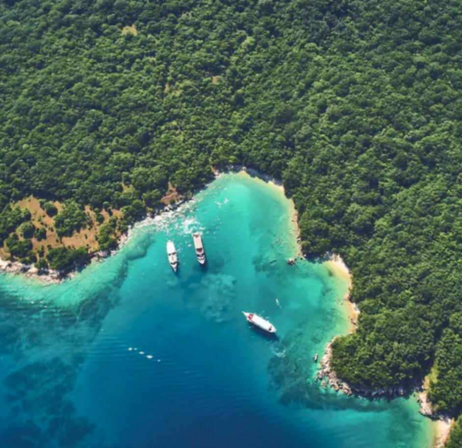 Kroatien: 7 Nächte - Motorsegler/-yacht Cruise ab Rijeka - 2 Pers. - Premium-Kabine inkl. Halbpension, Stadtführungen etc. /z.B. 12.-19.Juni