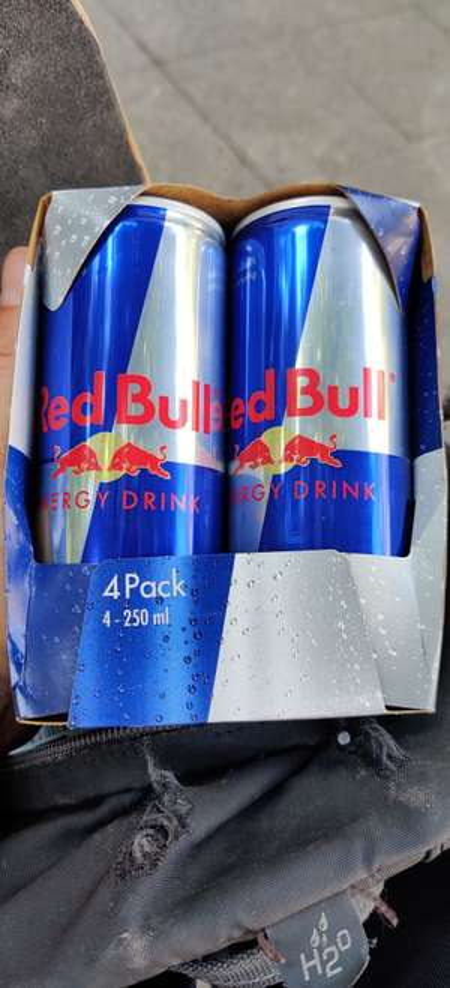 Lokal Berlin 4er Pack Red Bull für lau