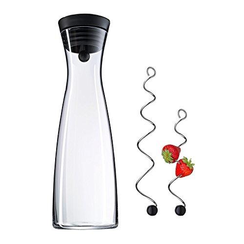 WMF Basic Wasserkaraffe Set 3-teilig, Karaffe mit 2 Fruchtspieße (18 und 24 cm), Glas-Karaffe 1,5l,
