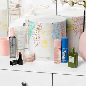 Look Fantastic Beauty Box Discovery Edition 2021 (Wert: ca. 160€)