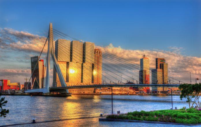 Rotterdam: 2 Nächte & 2 Personen inkl. Frühstück + Pommes & Bier ab 170€ (42,50€ pro Person / Nacht)