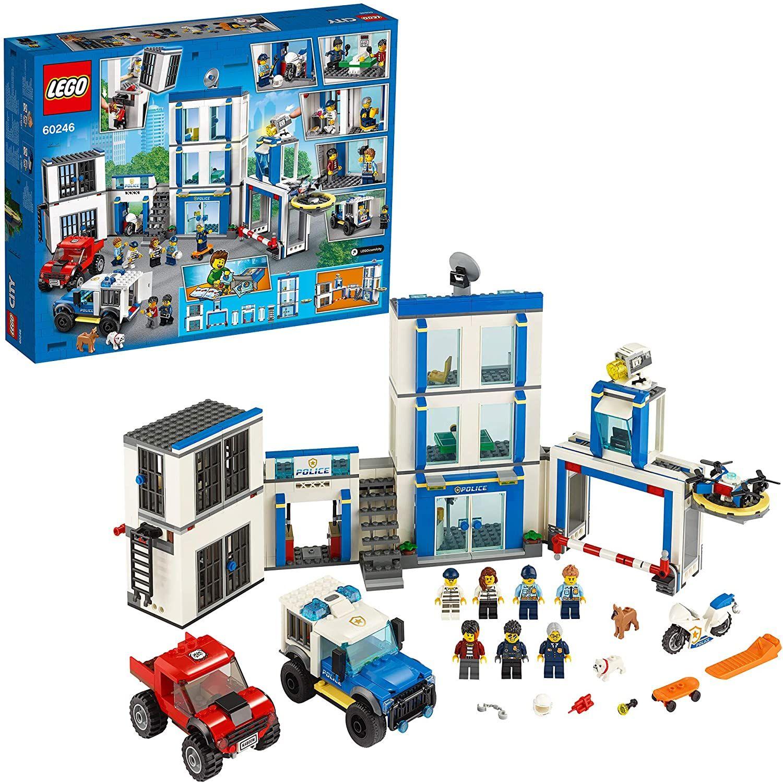 LEGO City 60246 - Polizeistation (743 Teile)