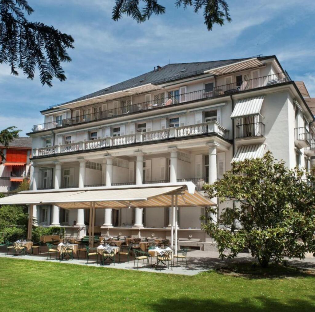 Baden-Baden, Schwarzwald: 4*Radisson Blu Badischer Hof - Doppelzimmer inkl. Frühstück / Juli - September