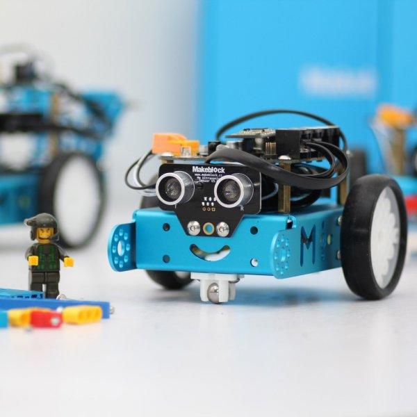 Roboter-Bausätze von Makeblock 15% Rabatt auf alles: Z.B. mbot für Kinder :-) für 67,96 + 3,90 Versand
